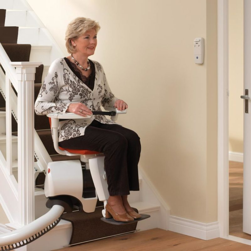 Flow Curved Stairlift