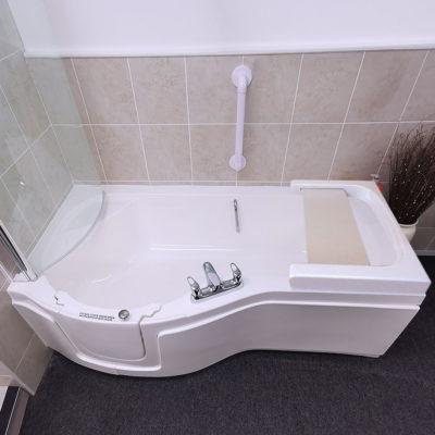 paragon plus walk in bath